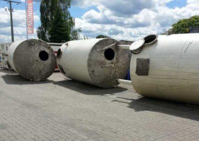 Demontage von Silo-Tanks